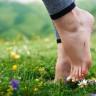 Bilime Göre Çıplak Ayakla Toprak Üzerinde Yürüdüğümüzde Vücudumuza Neler Oluyor?