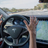 Tesla'nın Otopilot Sisteminde Güvenlik Zaafiyeti Olabilir mi?