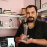 Hollywood, Filmi Ödül Alan Türk Yönetmenin Ödülünü Kargoyla Gönderdi