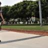 Bir Kadın, Protez Bacaklar Sayesinde 35 Yıl Sonra İlk Adımını Attı