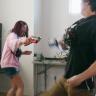 Bir YouTuber, Lazer Silahını Elektrik Silahına Dönüştürdü (Video)